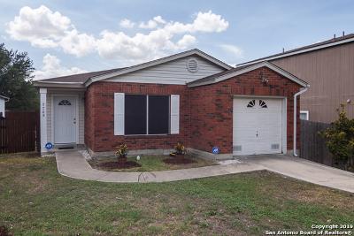 San Antonio Single Family Home New: 3705 Candlebluff Dr