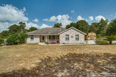 Floresville TX Single Family Home New: $289,500