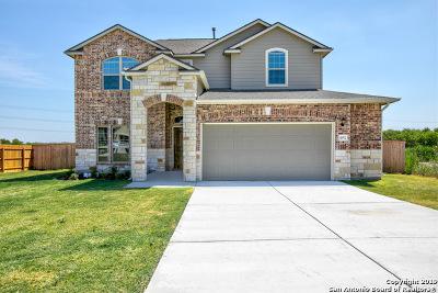 Schertz Single Family Home For Sale: 4912 Arrow Ridge