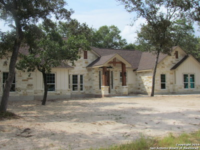 La Vernia Single Family Home Active Option: 177 Cibolo Ridge Dr