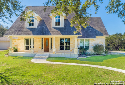 Canyon Lake Single Family Home For Sale: 651 Five Oaks Circle