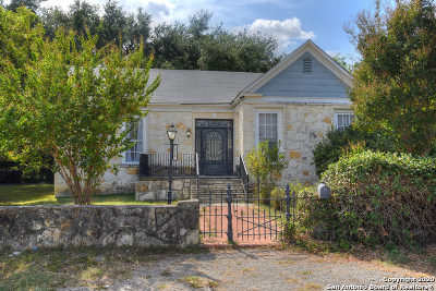 Single Family Home For Sale: 319 Kings Ct