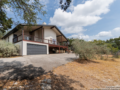 Canyon Lake Single Family Home For Sale: 219 Valiant