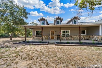 Atascosa County Single Family Home For Sale: 648 Greystone