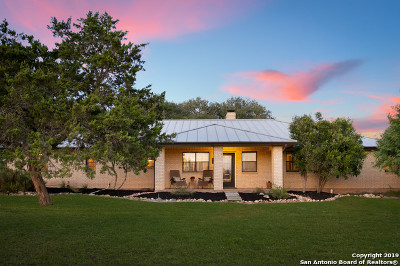 New Braunfels Single Family Home For Sale: 2671 Oak Valley Dr