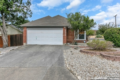 Single Family Home Active Option: 16810 Winding Oak Dr