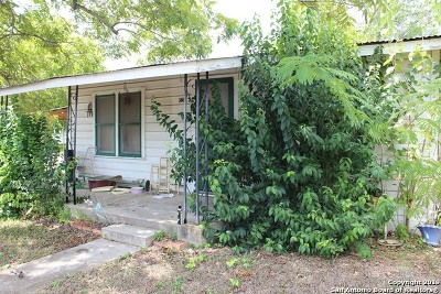 Seguin Single Family Home Active Option: 632 Maldonado Ave