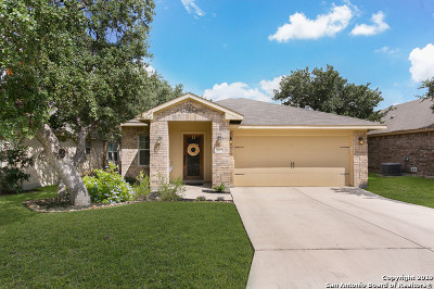 Single Family Home Active Option: 5527 Thunder Oaks