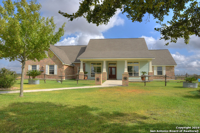 Seguin Single Family Home New: 901 Pioneer Rd