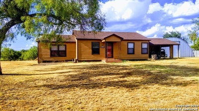 La Salle County Single Family Home New: 1006 Carrizo St