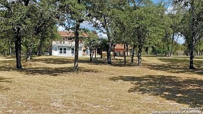 Floresville TX Single Family Home New: $342,500