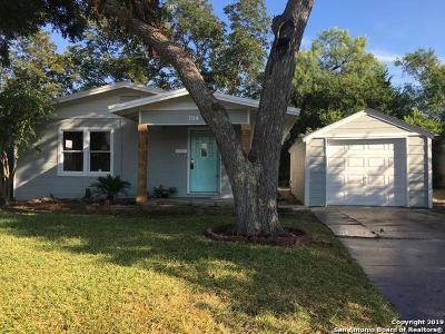 Guadalupe County Single Family Home New: 704 Curtiss St
