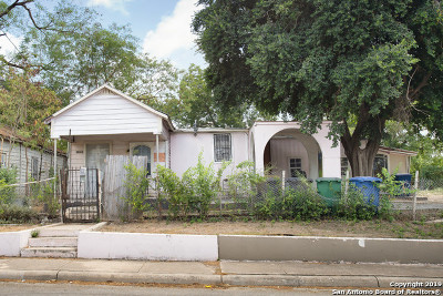 Bexar County Multi Family Home New: 1720 W Salinas St