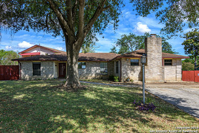 Guadalupe County Single Family Home New: 1002 River Oak Dr