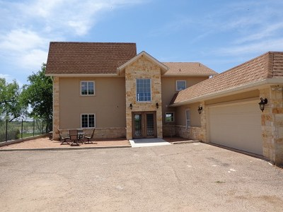 Lake Nasworthy, Lake Nasworthy Group 1, Lake Nasworthy Group 10, Lake Nasworthy Group 15, Lake Nasworthy Group 16, Lake Nasworthy Group 2, Lake Nasworthy Lincoln Pk, Lake Nasworthy Point 1, Lake Nasworthy Red Bluff, Nasworthy 2, Red Bluff Single Family Home For Sale: 3121 Red Bluff Rd E
