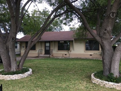 San Angelo TX Single Family Home For Sale: $130,000