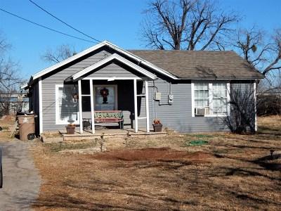 San Angelo Single Family Home For Sale: 26 E 25th St