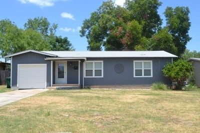 San Angelo Single Family Home For Sale: 2840 W Beauregard Ave