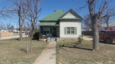 Ballinger Single Family Home For Sale: 408 N 4th St