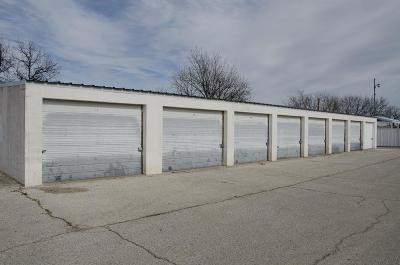 Commercial For Sale: 122 Millspaugh St