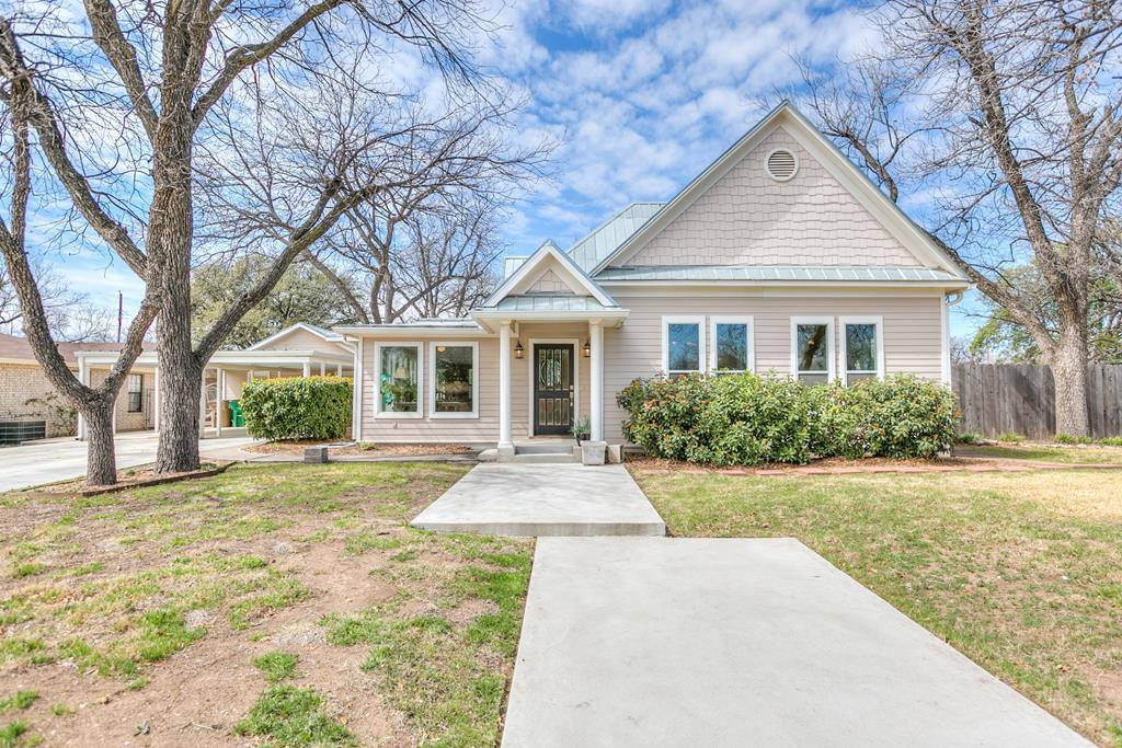 2 Bed 3 Full 1 Partial Baths Home In San Angelo For 318 000