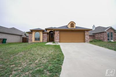 Single Family Home For Sale: 230 Norwood Dr
