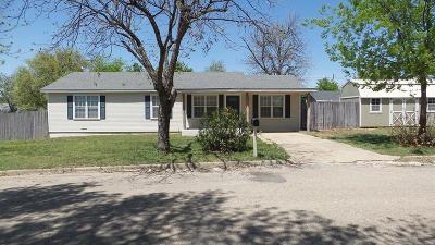 Ballinger Single Family Home For Sale: 408 Murrell St.