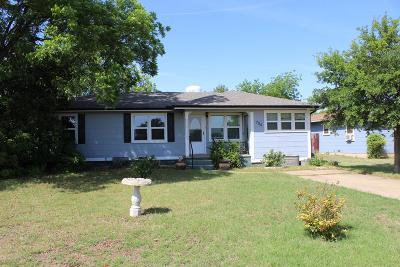 Single Family Home For Sale: 705 N 3rd St