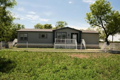 San Angelo Manufactured Home For Sale: 8400 Wren Rd