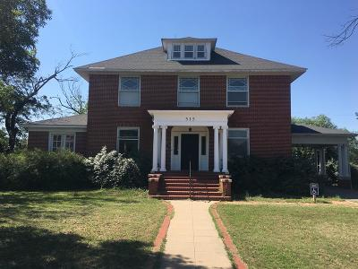San Angelo Single Family Home For Sale: 315 W Twohig Ave