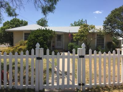 Single Family Home For Sale: 203 La Salle Dr