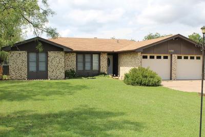 San Angelo Single Family Home For Sale: 855 Churchwell Rd
