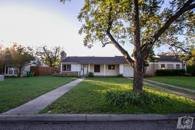 San Angelo Single Family Home For Sale: 2207 W Ave J