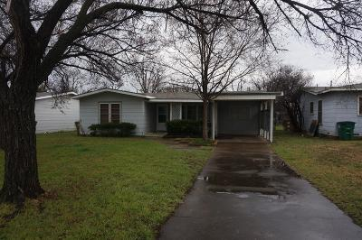 Single Family Home For Sale: 2645 W Harris Ave