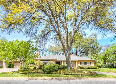 Single Family Home For Sale: 2620 Live Oak St