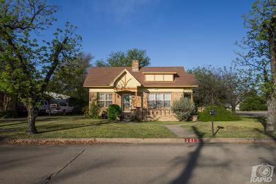 Single Family Home For Sale: 301 S Madison St