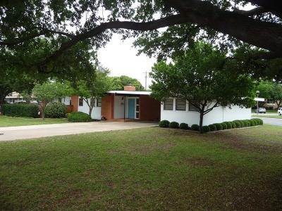 San Angelo Single Family Home For Sale: 2537 W Ave K