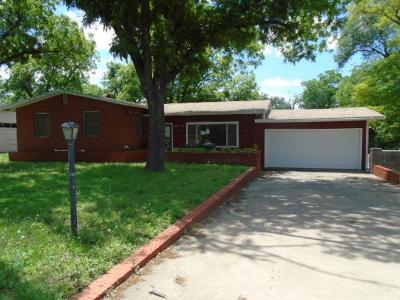 San Angelo Single Family Home For Sale: 2003 Douglas Dr