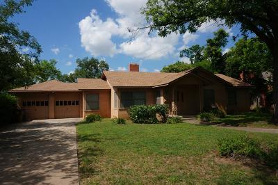 San Angelo Single Family Home For Sale: 1510 W Ave J