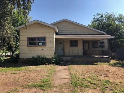 Ballinger Single Family Home For Sale: 810 N 7th St