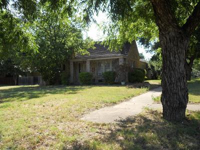 Ballinger Single Family Home For Sale: 311 Hamilton Avenue