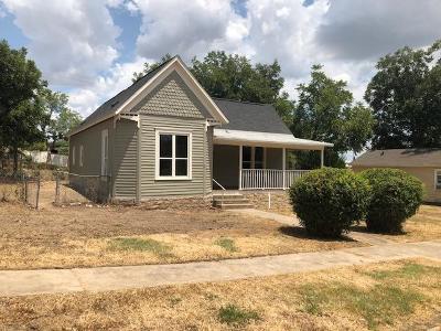 Ballinger Single Family Home For Sale: 208 N 6th St