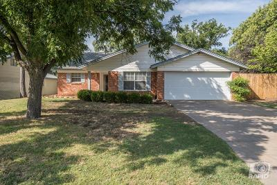 College Hills, College Hills South Single Family Home For Sale: 3225 Tanglewood Dr