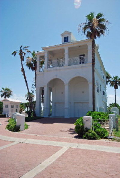 South Padre Island Single Family Home For Sale: 8301 Breakers Blvd. #Villakar