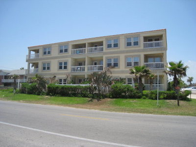 South Padre Island Condo/Townhouse For Sale: 129 E Cora Lee Dr. #100