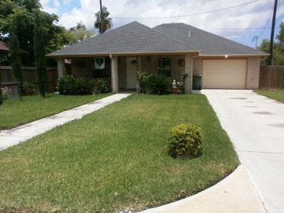 Los Fresnos Single Family Home For Sale: 152 Resaca Shores So. Drive