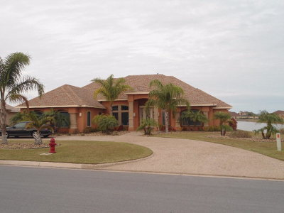 Laguna Vista Single Family Home For Sale: 2 Country Club Drive