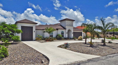 Laguna Vista Single Family Home For Sale: 901 Beach Blvd