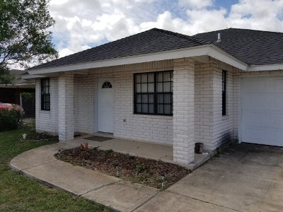 Los Fresnos Single Family Home For Sale: 106 E 10th St.