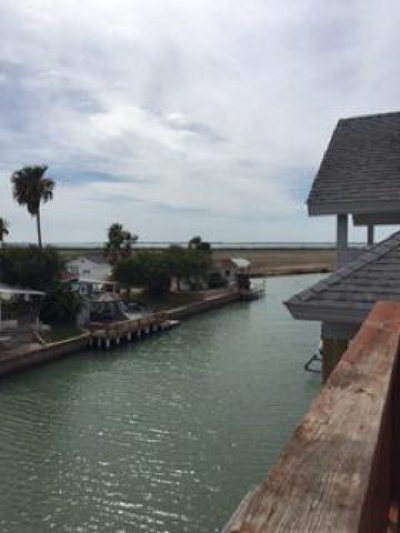 Port Isabel Single Family Home For Sale: 83 E Scallop